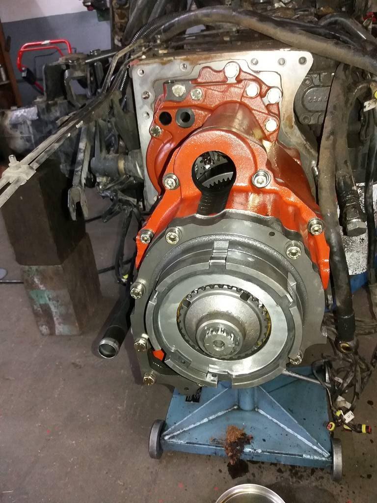 traktor-trennen-getriebe-lastschaltung